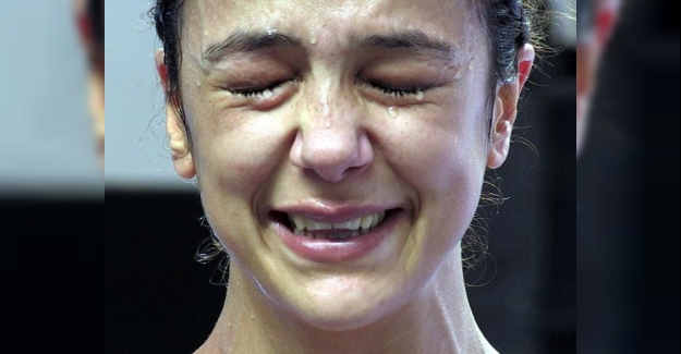 Dünya Kick Boks Şampiyonası'nda Türkiye'ye altın madalya Emine Arslan'la geldi