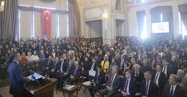 Milli Eğitim Bakanı Ziya Selçuk, öğrencilere şu tavsiyelerde bulundu