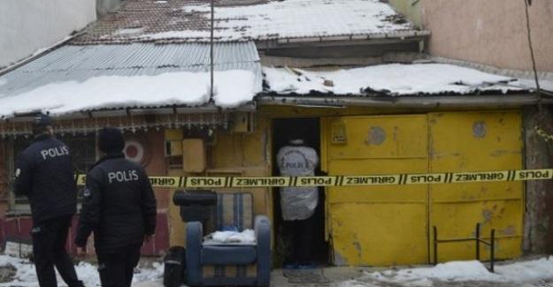 Emekli Öğretmen Evindeki Elektrik Sobasının Devrilmesi Sonucu Çıkan Yangında Hayatını Kaybetti