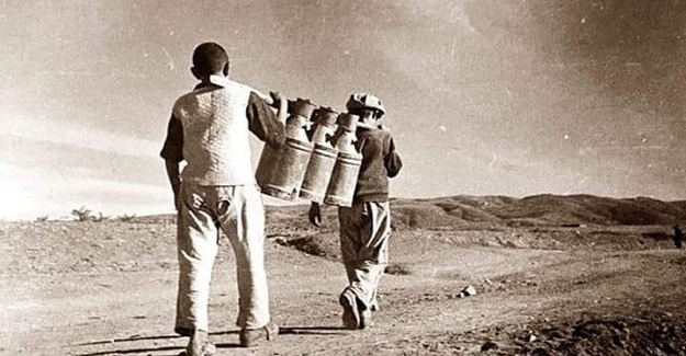 Enstitülere su gelene kadar, öğrenciler, en yakın su kaynağından gidip büyük kaplarla suyu okullarına taşıdılar.