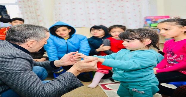Öğretmenlerden Bakan Ziya Selçuk'a Elazığ'da Bizi de Görevlendirin Mesajı