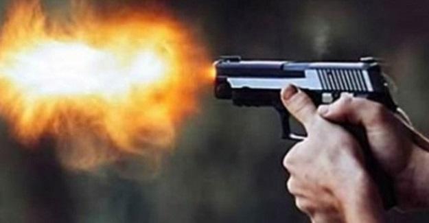 16 Yaşındaki Lise Öğrencisi Annesiyle Tartışan Babasını Silahla Öldürdü