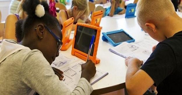 Öğrenciler Teknolojiden Değil, Kitaplar Sayesinde Daha İyi Öğreniyor