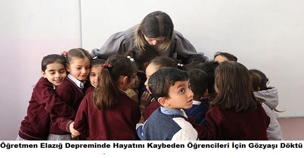 Öğretmen Elazığ Depreminde Hayatını Kaybeden Öğrencileri İçin Gözyaşı Döktü