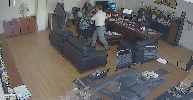 Okul Müdürünün Odasında Görülmemiş Dehşet Anları Kameralara Böyle Yansıdı