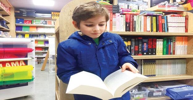 Türkiye'nin Konuştuğu Kitap Kurdu Küçük Filozof Atakan'la İlgili Uzmanlardan Uyarı