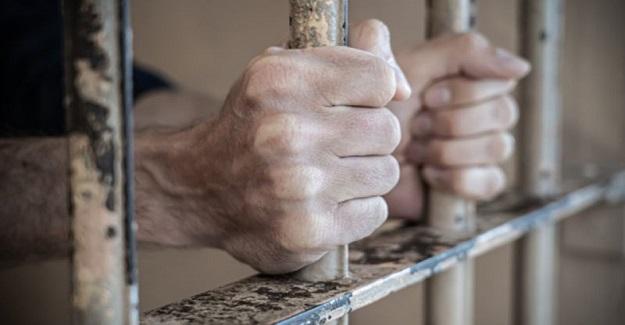 Öğretmenin sendika değişikliği talebi üzerine, sendika değişiklik formunu işleme koymayan yöneticilere hapis cezası