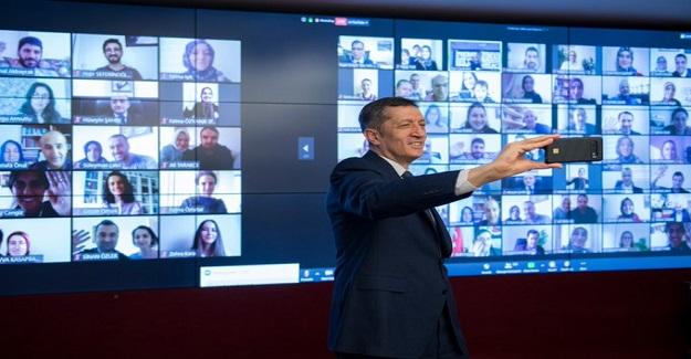 Bakan Selçuk Rize'de Bulunan Öğretmenlerle Sanal Buluşma Gerçekleştirdi