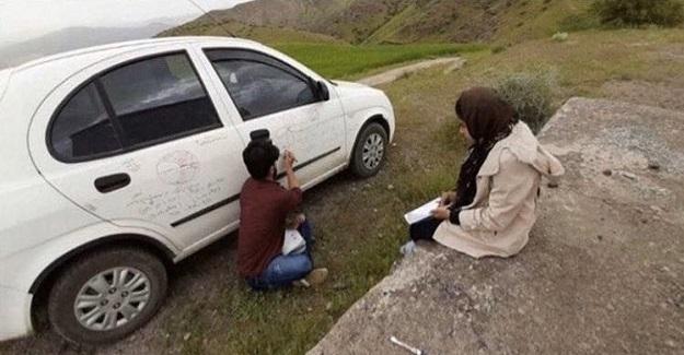 İran'lı Aktivist Öğretmen Engelli Öğrenciyi Sınavlara Hazırlamak İçin Şehirden Köye 114 km Yol Gidiyor