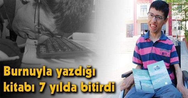 Azmin Zaferi: 'Serebral palsi' Hastası Mustafa Burnunu Kullanarak İkinci Kitabını Yazmaya Başladı