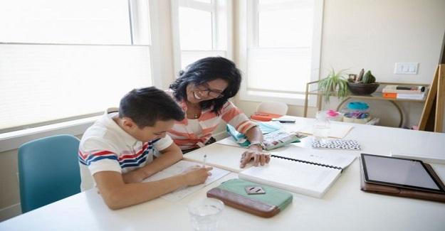 Ebeveynler Çocuklarına Eğitimde Nasıl Yardımcı Olabilir?