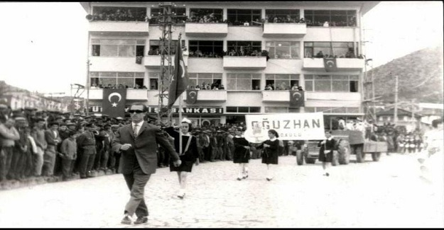 Trabzon' da doğup babasız büyümüş ilk gorev yeri Bucak' a gelmiş bir Cumhuriyet öğretmeniydi
