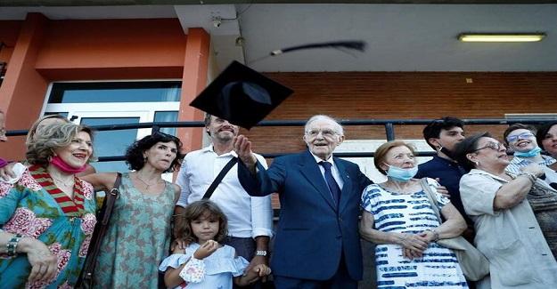 Dünyanın En Yaşlı Öğrencisi 96 Yaşında Mezun Oldu