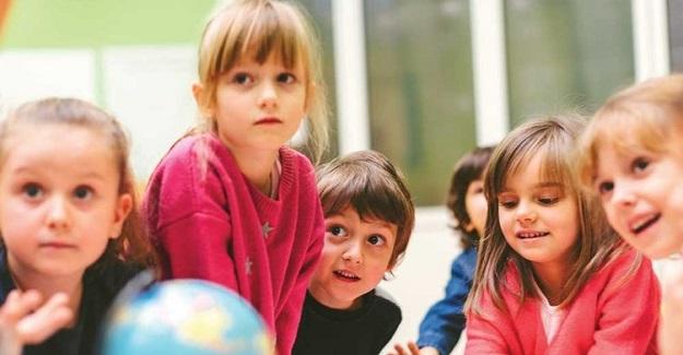 Bir çocuğun anne babasından daha çok onunla zaman geçiren öğretmenlere