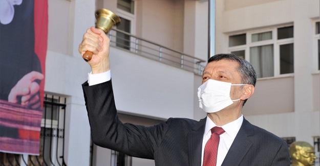 Bakan Ziya Selçuk İlk Ders Zili Ankara'da Çaldı