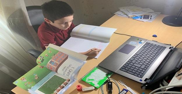 Çocuklarımızın Eğitim Süreciyle İlgili En Yüksek Kaygıyı Taşıyanlar Öğretmenlerdir