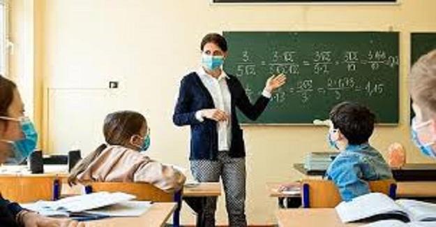 İlkokullarda günlük 4 ders saati, ortaokullarda günlük 6 ders saati canlı ders sınırlaması kaldırıldı