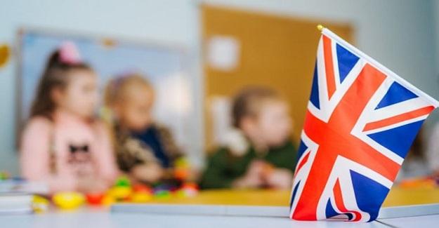 İngiltere'de okullar açıldı, koronavirüs patlaması yaşandı!
