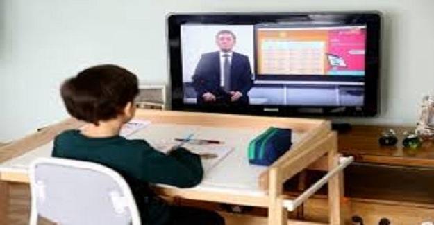 Eba canlı ders atamak için Bilgisayar başında geçirilen zaman: günlük 40 dakika