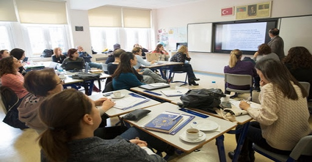 10 Yılını Dolduran Uzman Öğretmen, 20 Yılını Dolduran Öğretmenler İse Baş Öğretmen Olsun Önerisi