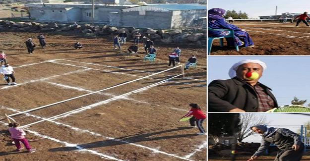 Beden Eğitimi Öğretmeni Köye Kurduğu Tenis Kortu Kurdu, Köylüler Tenisle Tanıştı