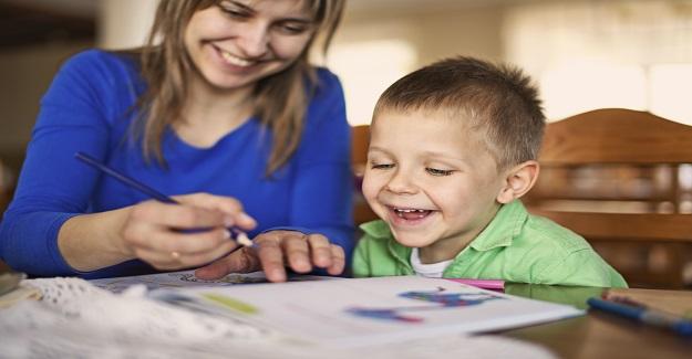 Çocuklarınıza Evde İngilizce Öğretmenin Yolları