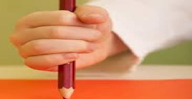 Çocuğunuzun Kalem Tutuşu Nasıl Düzeltilir?