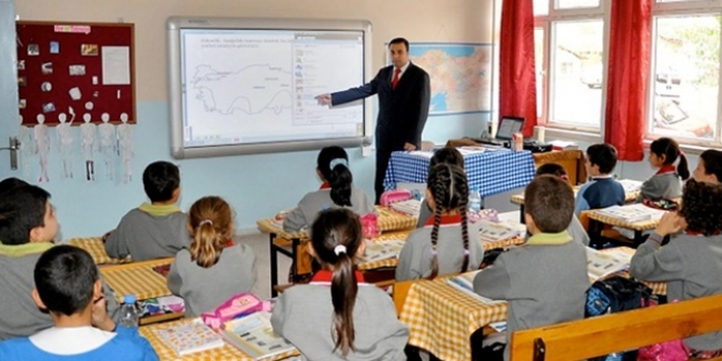 Öğretmen öğrencilerinin fotoğraflarını paylaşabilir mi?