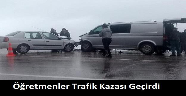 Öğretmenler Trafik Kazası Geçirdi