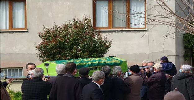 Hayatını Kaybeden Öğretmen Kimsesizler Mezarlığına Defnedilecekken, Öğrencileri Sahip Çıktı