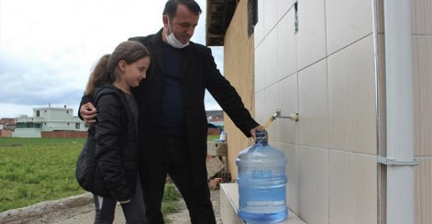 Köy Muhtarı 1 Liraya Sattığı Su Sayesinde, 13 Üniversite Öğrencisine Burs Veriyor