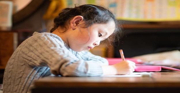 Çocukların Yazı Yazmayı Öğrenmelerini Desteklemenin Yolları