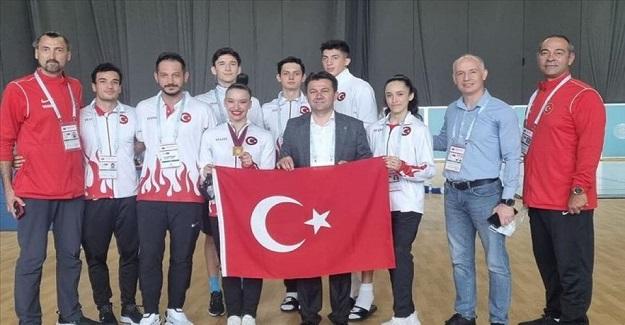 Aerobik Cimnastik Dünya Şampiyonası'nda Ayşe Begüm Onbaşı Altın Madalya Kazandı