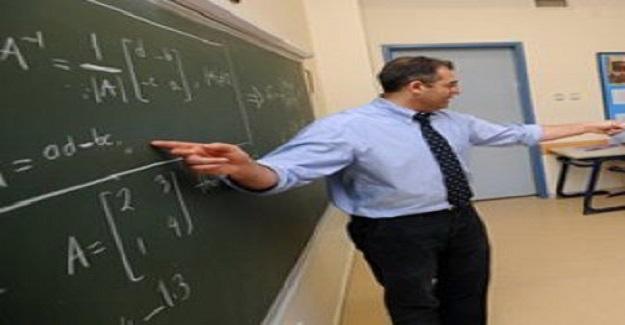 Öğretmen gereksinmesini 40 bin atama bile karşılamayacaktır.
