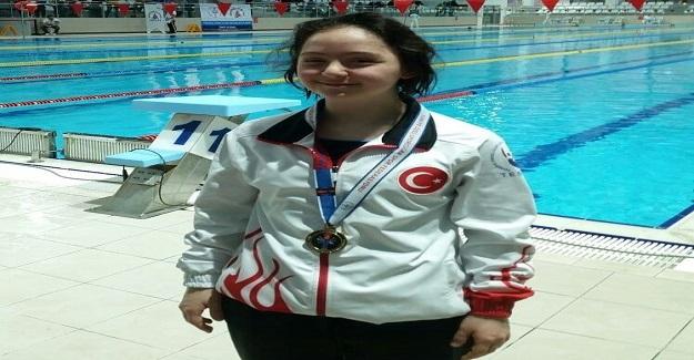Down Sendromlu Milli Yüzücü 2 dünya rekoru sahibi
