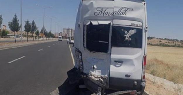 Öğretmenlerin İçinde Bulunduğu Araç Kaza Yaptı, Çok Sayıda Öğretmen Yaralandı