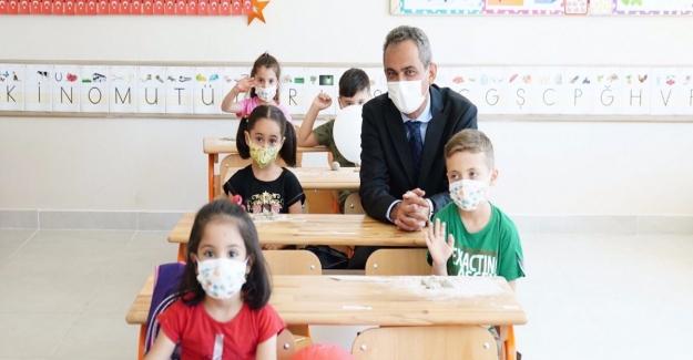 Bakan Mahmut Özer Yüz Yüze Eğitimin Devam Etmesi İçin Tek Şartı Açıkladı