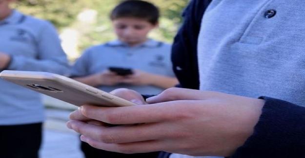 Velilerin Telefonlarına Cevap Vermek Zorunlu mu?