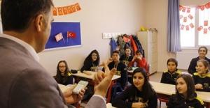 Öğrencilerle birlikte dergi okuma grubu kuruldu. Farklı bir okuma grubuna dair notlar