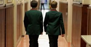 İkiz Kardeşlerin Sınıfları Ayrılmalı...