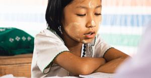 Kızlar için Eğitim Her Yerde Öncelikli...