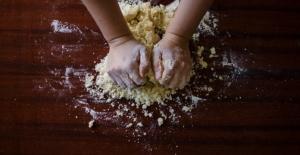 Bu Okulda Derslerde,  Erkek Öğrencilere Yemek Pişirmeyi Öğretiyorlar