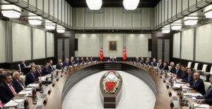 Yayınlanan KHK İle Birlikte, 9 Bini Polis, 6 Bini Asker Olmak Üzere Toplam 18 Bin Kişi İhraç Edildi