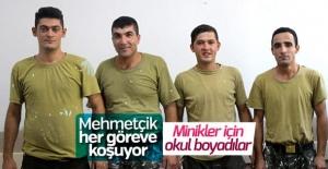 Fedakar Mehmetçik Okul Boyadı