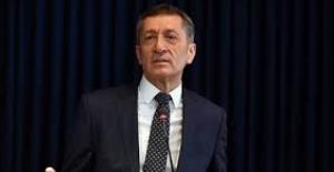 Bakan Ziya Selçuk: quot;Halen Görevde...