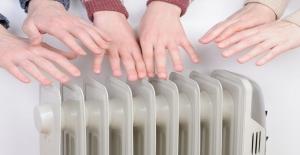 Elleriniz ve Ayaklarınız Yaz - Kış Soğuk mu? Peki Ne Yapmanız Gerekiyor?