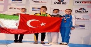 Helal Olsun Kızım Sana: Türk çocuğu Atatürk gençliği bu işte
