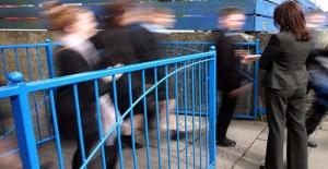 Her dört öğretmenden biri 'her hafta öğrencilerden şiddet görüyor'