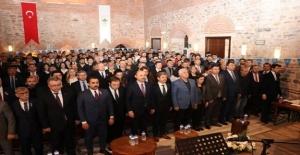 Kamu çalışanlarının iş güvencesinin teminatı Türkiye Kamu-Sen'dir.