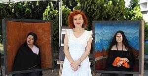 İzmirli ortaokul öğrencilerinden 'Canlı Portreler' sergisi